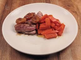 cuisiner un filet de canard filet de canard abricot miel et carottes glacées biot marche frais