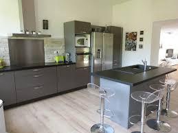 cuisine grise plan de travail noir plan de travail cuisine gris anthracite galerie avec grise newsindo co
