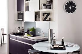 deco cuisine noir et blanc le noir et blanc dans la cuisine c est moderne darty vous