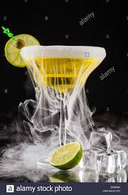 dry martini dry martini stock photos u0026 dry martini stock images alamy