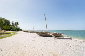 img 8120 av helene fosse bomani beach bungalows