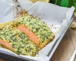 cuisiner pavé saumon recette de pavé de saumon en croûte de noix de macadamia au citron