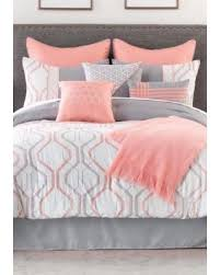 don t miss this bargain home accents bradbury bed in a bag