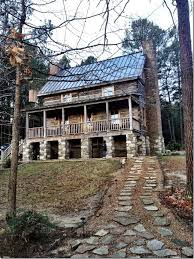 Rent this vacation cabin out side of Guntersville Alabama for the