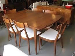 Mid Century Dining Room Furniture Pinterest U0027teki 25 U0027den Fazla En Iyi Mid Century Dining Set Fikri