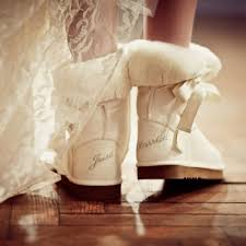 wedding shoes tips winter wedding shoes guide boots heels flats colors venuelust