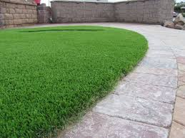 Landscaping Ideas For Backyard With Dogs by 7 Landscape Edging Ideas For Artificial Grass Lawns Install It