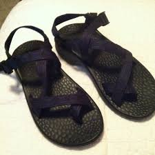 chacos black friday 44 off chaco shoes black and blue aztec print single strap