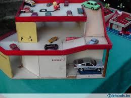 1 oude houten speelgoed garage in goede staat topkans te koop