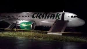 citilink asus zenfone 5 pesawat citilink yang tergelincir ditarik dari runway viva