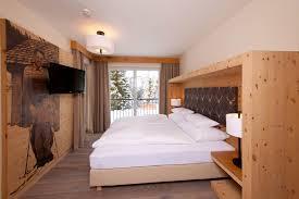 Zirbenbett Das Gesunde Zirbenholzbett Von Lamodula Zirbenholz Schlafzimmer Modern Zirbenholz Schlafzimmer Modern