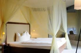 how to make canopy bed how to make a canopy bed the best bedroom inspiration