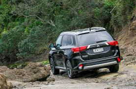 mitsubishi suv 2015 black road tests outlander out in front road tests driven