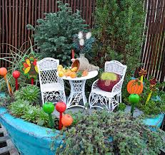 Fairy Garden Container Ideas by Container Gardening The Mini Garden Guru From Twogreenthumbs Com