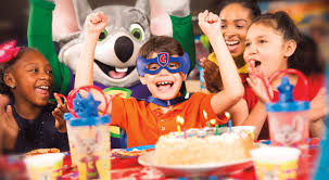 chuck e cheese birthday invitations how to plan the best chuck e cheese birthday party