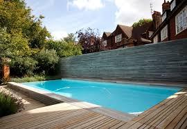 petite piscine enterree piscine enterrée en béton à débordement d u0027extérieur