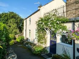rock cottage pet friendly with a garden in winster 8161781