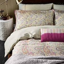 damara magenta u0026 yellow paisley patterned bedding at bedeck 1951
