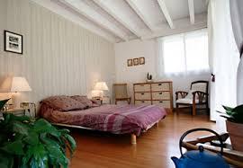 bardage bois chambre chambre lambris blanc chambre bb fille enfant dcoration