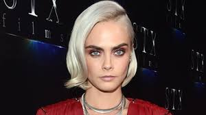 cara delevingne finally revealed her adorable platinum pixie cut
