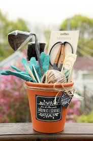 gardening gift basket 32 handmade gifts for gardeners tip junkie