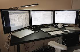 Three Monitor Desk How To Use 3 Or More External Monitors On Macbook Pro 2015 Mkn