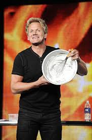 chefs are smokin ramsay steamed daily news gordon ramsay demonstrates the high whisk factor hell kitchen