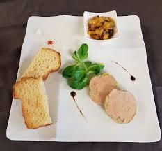cuisiner un foie gras frais foie gras frais de canard maison au chutney d ananas et poivre vert