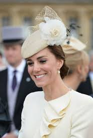 earrings kate middleton you can get kate middleton s fave pearl earrings for 11