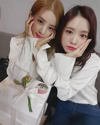 apink s chorong y naeun korean idols friends pinterest apink