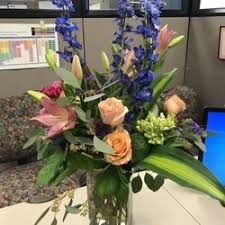 omaha florists voila blooms in dundee florists 4922 dodge st dundee omaha