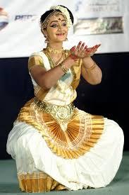 Desishades 40 Best Mohiniyattam Images On Pinterest Kerala Kerala India