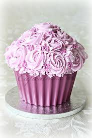 Easy Giant Cupcake Decorating Ideas Best 25 Large Cupcake Ideas On Pinterest Large Cupcake Cakes