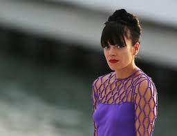 lily allen reveals new song something s not right was inspired by