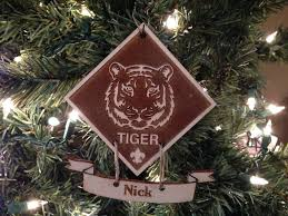 tiger scout grande place music boxes christmas and much more