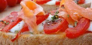 cuisiner le saumon bruschetta de tomate au saumon aux fourneaux