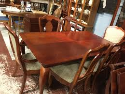 thomasville dining room chairs thomasville impressions cherry dining table 2 lleaf 6 chair set