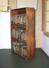 file annefrankhouse bookcase jpg wikimedia commons