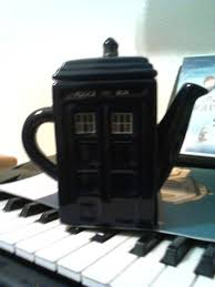 tardis teapot for your delightful tea time designoursign