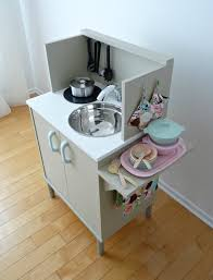 diy play kitchen ideas a diy play kitchen for 35 dans le townhouse diy play