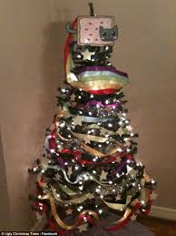 Christmas Tree Meme - awful christmas trees are pine ful to look at daily mail online