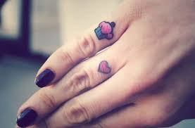 47 attractive finger tattoos