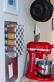 portaspezie magnetico le 15 idee geniali per la vostra cucina foto di corrierecucina it