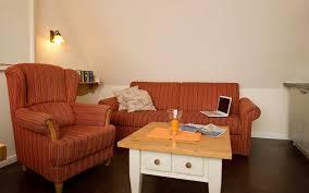 Wohnzimmer 40 Qm Urlaub Mit Hund Ferienwohnung Direkt Am Hundestrand Von Grömitz