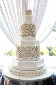 wedding cake on a budget budget friendly wedding cake ideas bakery cakes cake ideas