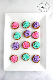 clam shell cookies with buttercream momdot