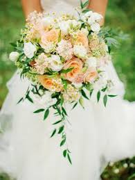 Popular Bridal Bouquet Flowers - 6 most popular wedding flowers and beautiful ways to use them