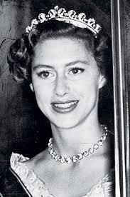 kate middleton wedding tiara elizabeth s tiara given to on 18th birthday and