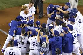 justin turner u0027s 9th inning hr gives dodgers 2 0 series lead over