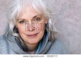 woman with long bob and side part CreativeFan